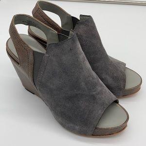 Naked Feet Columbia Grey Brown Wedges Sz 7